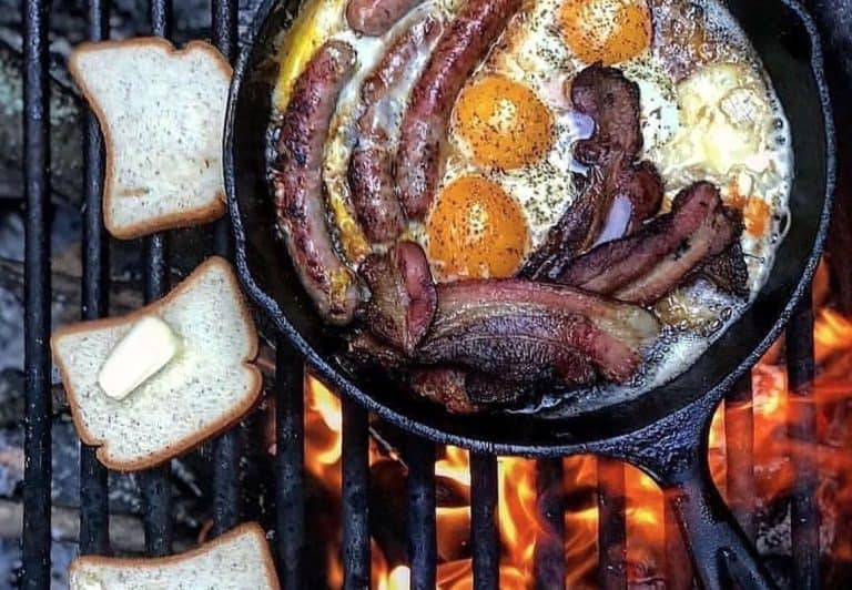 What food to take camping? A camping food list.