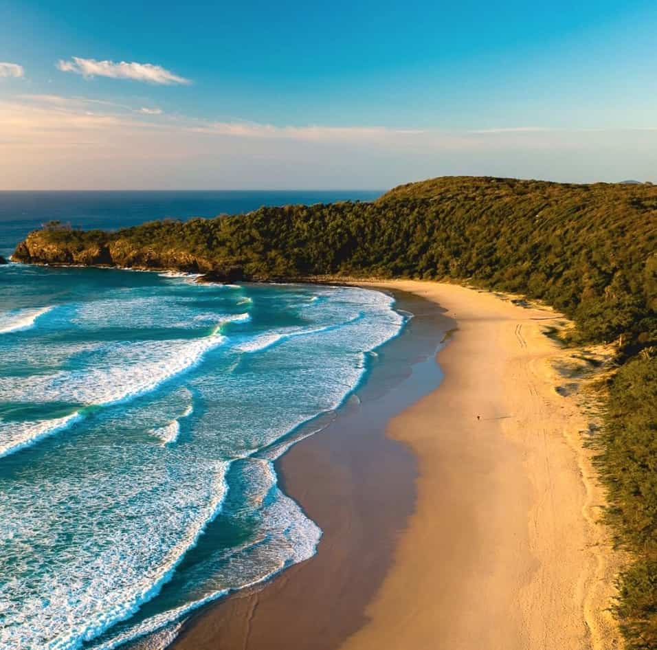 Which is better Byron Bay or Noosa?