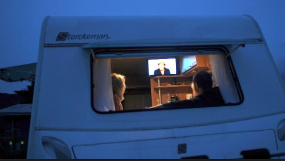Best 12 Volt TV For Caravan