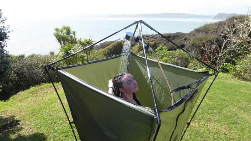 how do portable camping showers work